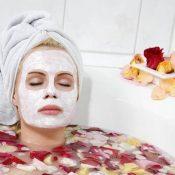 Maschera viso fatta in casa: ricette per pelle secca e grassa