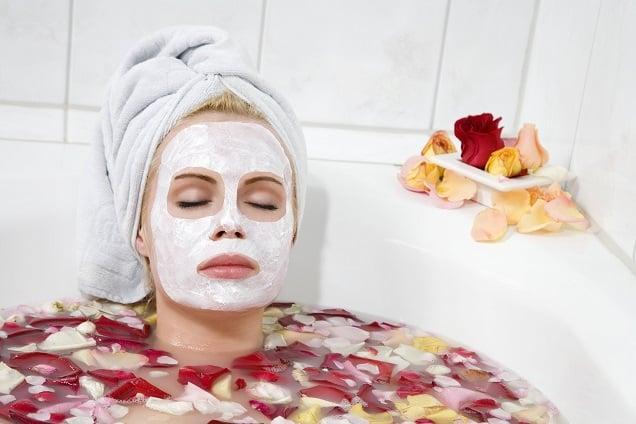 Maschera viso fatta in casa per pelle secca e grassa
