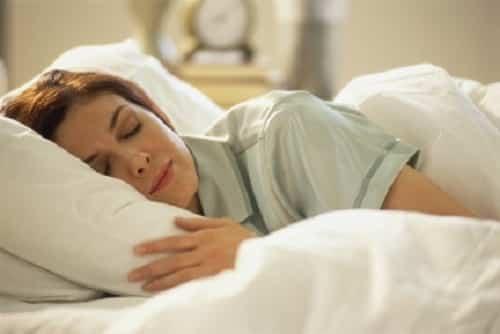 I 6 cibi per dormire meglio: combattere l'insonnia a tavola