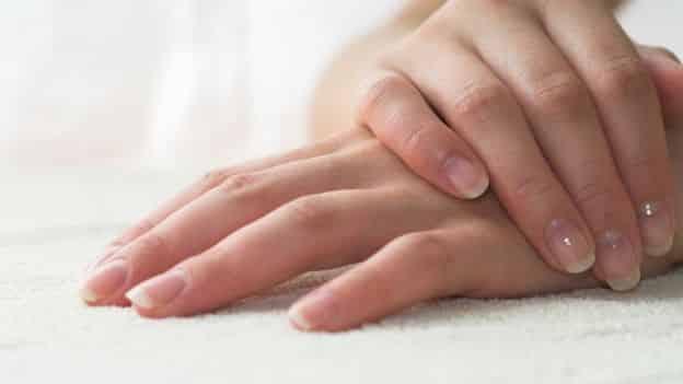 unghie che si sfaldano