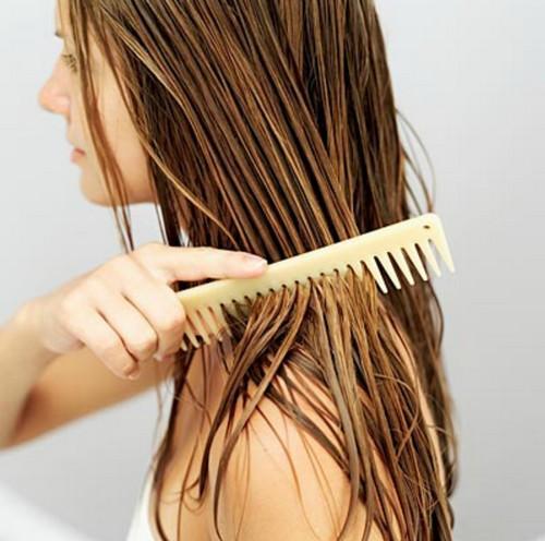 Balsamo fatto in casa: luce e morbidezza per i capelli