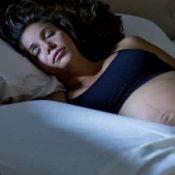 Cuscino Tra Le Gambe In Gravidanza.Come Dormire In Gravidanza Consigli Per Riuscirci Al Meglio