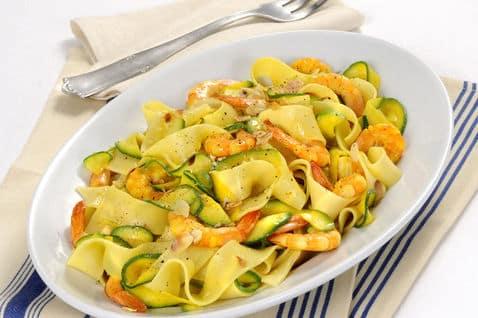 Tagliatelle con gamberi, zucchine e zenzero