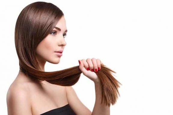 Perdita di capelli nelle donne - cause e rimedi naturali