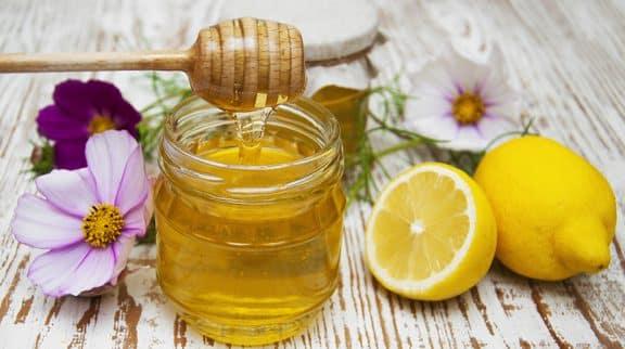Miele e limone per la tosse
