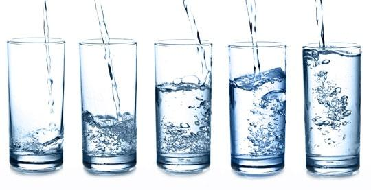 Gocce per alcalinizzare l'acqua