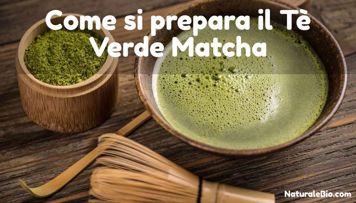 preparazione del te verde matcha